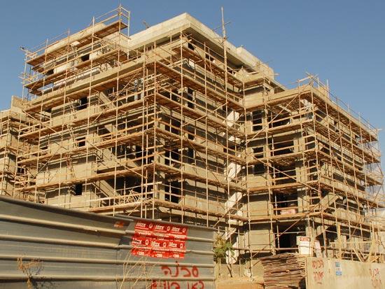 """נדלן  מגורים נדל""""ן בניה בנייה רוויה מגורים דירה דירות רב קומות / צלם: איל יצהר"""